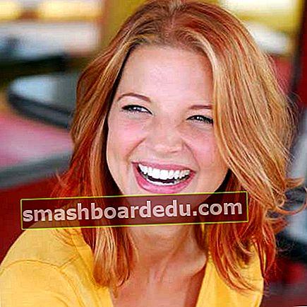 Hallie Gnatovich (esposa de Josh Gates) Wiki, Bio, Años, Altura, Peso, Marido, Valor neto, Hechos