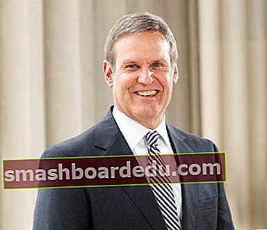 Bill Lee (Tennessee-politiker) Lön, nettovärde, bio, Wiki, ålder, fru, barn, karriär, fakta