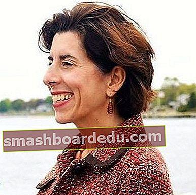 Gina Raimondo (guvernör på Rhode Island) Nettovärde, lön, Wiki, bio, ålder, höjd, vikt, make, fakta